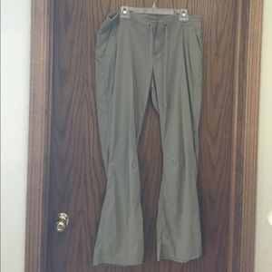 Columbia Pants - COlumbia size 16 slacks like new