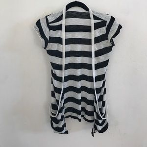 Tops - 💋New Listing💋 Black & White Striped Draped Top
