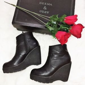 Deena & Ozzy Shoes - DEENA & OZZY • by UO • wedge booties