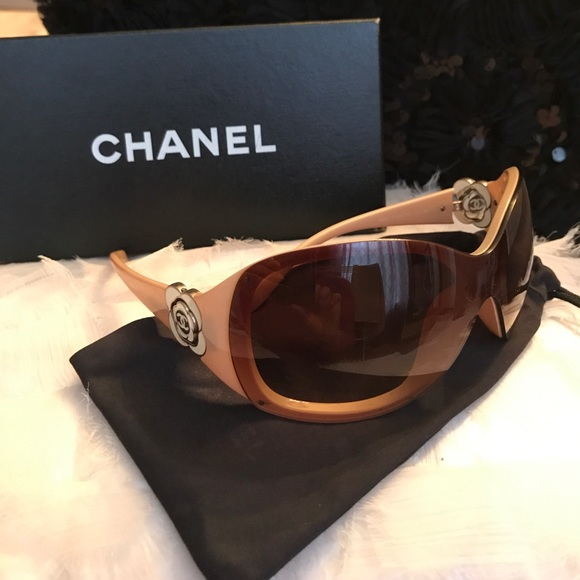896ed2b62162 CHANEL Accessories - Authentic CHANEL🌸Camellia Flower Sunglasses