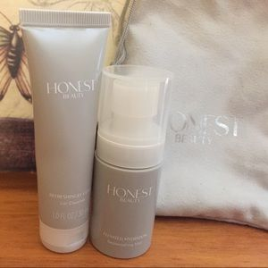The Honest Company Other - Gel cleaner and replenishing mist. New product
