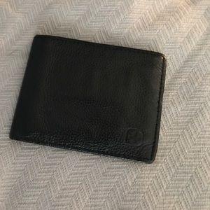 Alpine Swiss Other - Black Swiss gear wallet