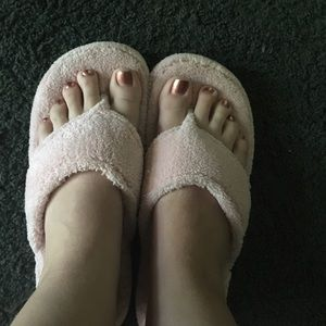 Acorn Shoes - 🌸Pink plush slippers🌸