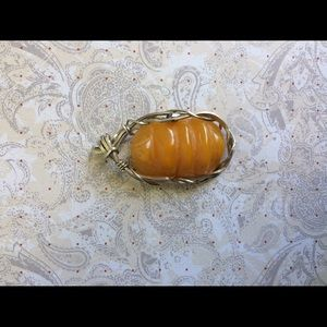 wirequeen jewelry Jewelry - Wirequeen Necklace/Pendant Amber beehive in SS.