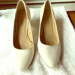 C. LABEL Shoes - Ivory pumps