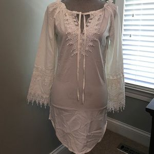 XS white rayon fabric with lace tunic/coverup