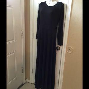 Acevog Dresses & Skirts - NWT Beautiful elegant black Long sleeve maxi dress