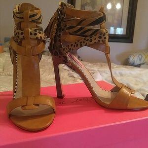 Betsy Johnson Shoes - Betsy Johnson cognac and black Fierce size 8 heels