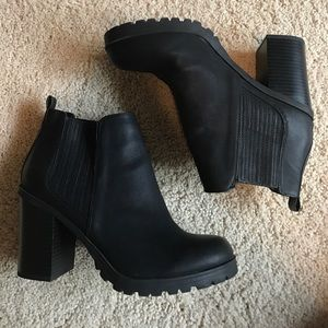 Sam & Libby Shoes - Black Pleather Ankle Bootie Heels
