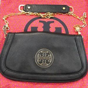 Tory Burch Handbags - Tory Burch Amanda Crossbody
