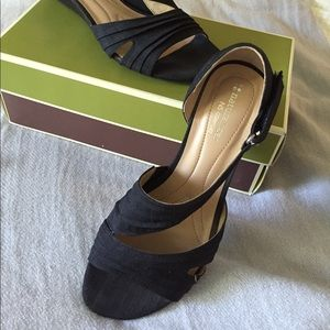 Naturalizer black sandal