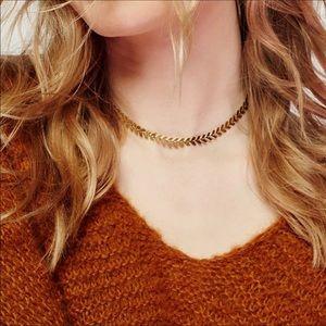 """Jewelry - 🔥NEW🔥 """"Elise"""" gold fashion choker"""