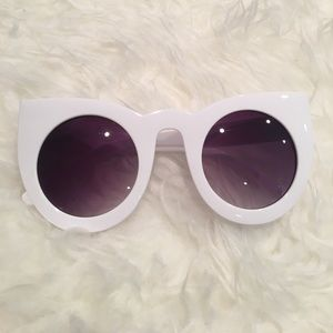 simplylovable Accessories - White Modern Cat Eye Sunglasses
