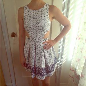 😍 Adorable!!! ASOS Petite eyelet dress w/ cutouts