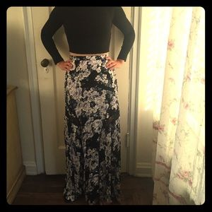 Maxi skirt by MINKPINK 😍 purchased at UO!