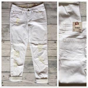 Rewash Denim - REWASH White Frayed Denim Capri Jeans ✨