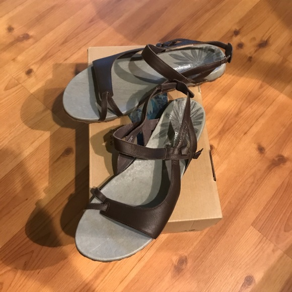 2589b62abde FINAL PRICE NWT Patagonia poly knotty sandals
