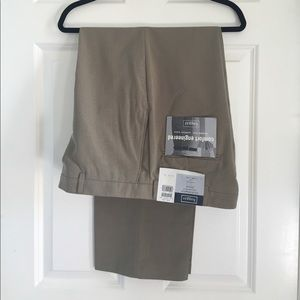 Haggar Other - NWT Khaki Haggar 36x29 pants