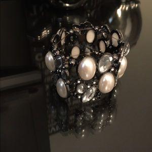 BKE Jewelry - NWOT never worn BKE stretchy bracelet