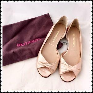 bruno frisoni Shoes - Bruno Frizoni rose gold open toe flat