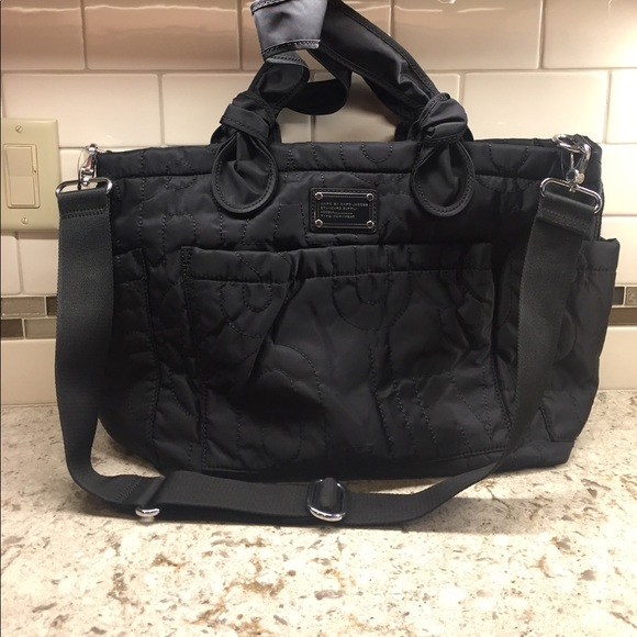 58 off marc by marc jacobs handbags marc by marc jacobs elizabeth black diaper bag from liz. Black Bedroom Furniture Sets. Home Design Ideas
