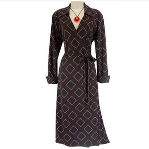 Large BLACK GEOMETRIC PRINT WRAP DRESS w/Collar