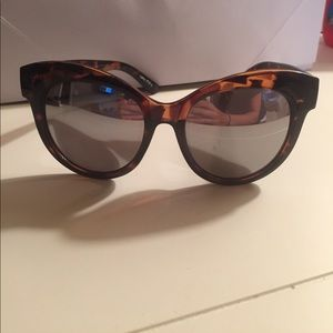 Quay sunglasses! Like new!