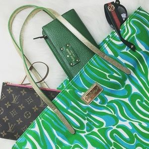 Lilly Pulitzer Handbags - Lilly Pulitzer Canvas Tote