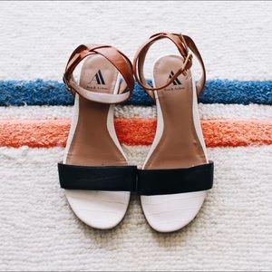 Ava & Aiden strap sandals