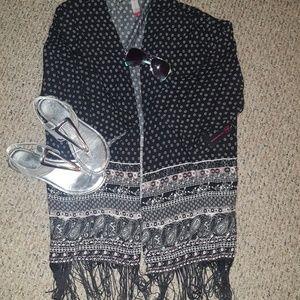 No Boundaries Tops - Black and white designed kimono or coverup