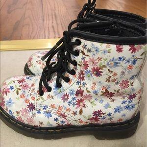 Super cool floral doc martens Toddler 8