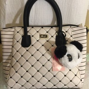 Betsey Johnson Handbags - 🎈Just In🎈 Betsey Johnson tote