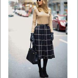 henri bendel Sweaters - Henri Bendel TurtleNeck Knit Sweater