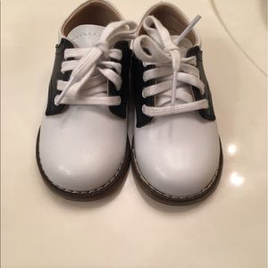 FootMates Other - Toddler shoes size 4.5
