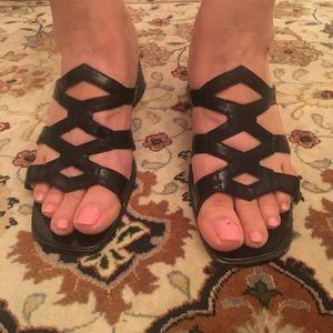 Black chunky thick heel