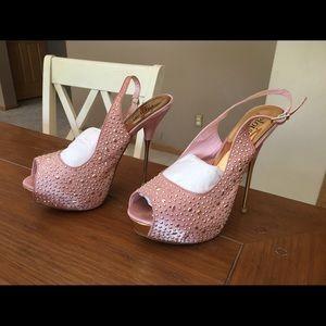 Shoedazzle Shoes - 🌸SALE🌸 Shoedazzle pink platform pump