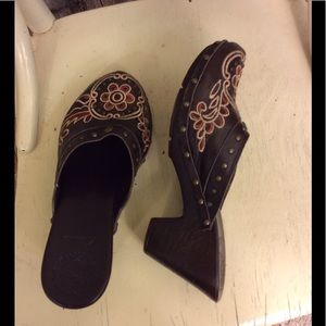 Clarks Shoes - Clarks floral embroidered clog with studs size 5