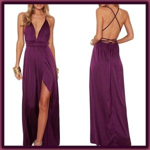 Dresses & Skirts - 🆕 Purple deep plunge Backless Strappy Maxi Dress
