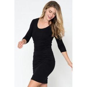 Evereve Dresses & Skirts - Ruched Dress