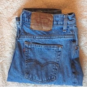 Urban Outfitters Denim - High Waisted Levi Jeans