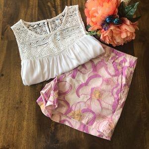 LOFT Pants - Loft Linen Blend Floral Shorts