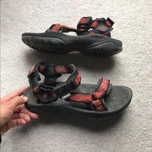 Teva Shoes - {Teva}