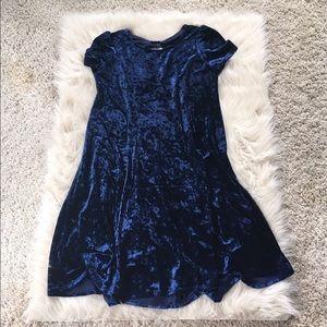 NWT velvet cap sleeve dress