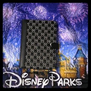 Disney Minnie Mouse iPad case. Fits the Mini iPad