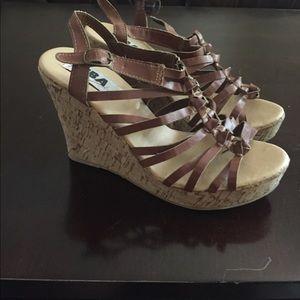 Diba Shoes - Brown wedges