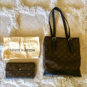Louis Vuitton Handbags - Auth Louis Vuitton Bucket Bag and Wallet