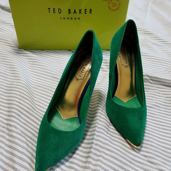 098eabffddf2f9 Ted Baker green suede pumps