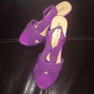 Purple Shoe dazzle Heels Size 10 Like New