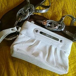 Jennifer Lopez Handbags - Jennifer Lopez wristlet clutch