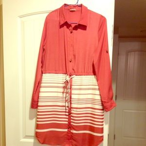 Maison Like new classic shirt dress w/bottom strp